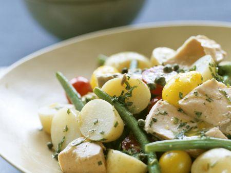 Kartoffel-Thunfischsalat mit grünen Bohnen und Tomaten