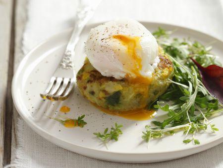 Kartoffelbratling mit pochiertem Ei