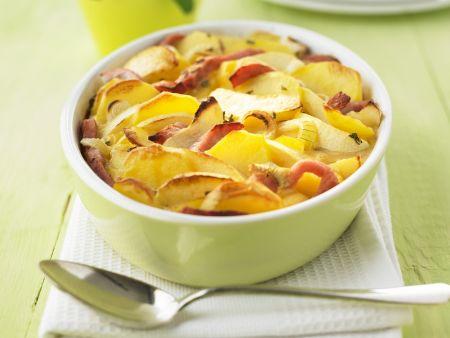 Rezept: Kartoffelgratin mit Apfel und Kassler