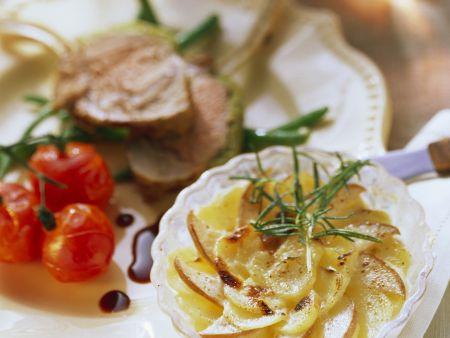 Kartoffelgratin mit Birne zu Lammchops