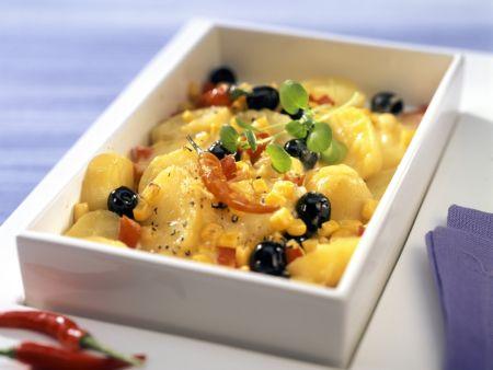 Kartoffelgratin mit Mais, Oliven und Chili