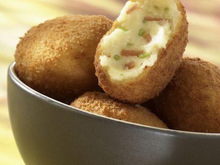 Kartoffelkroketten mit Schinken gefüllt