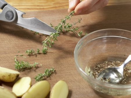 Kartoffeln aus dem Backofen: Zubereitungsschritt 2
