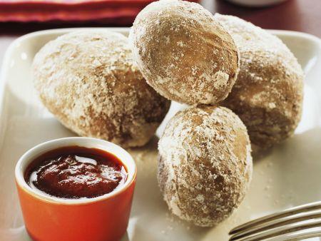 Kartoffeln in Salzkruste mit karibischer Soße (Mojo)