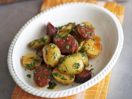 Kartoffeln mit scharfer spanischer Wurst (Chorizo)
