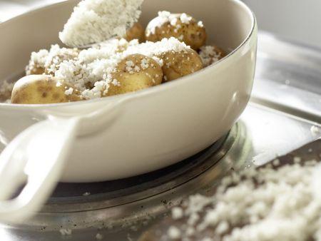 Kartoffeln in der Salzkruste: Zubereitungsschritt 3