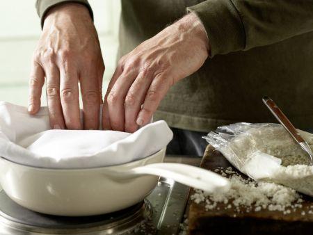 Kartoffeln in der Salzkruste: Zubereitungsschritt 4
