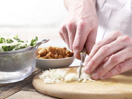 Kartoffelpizza mit Pfifferlingen: Zubereitungsschritt 4