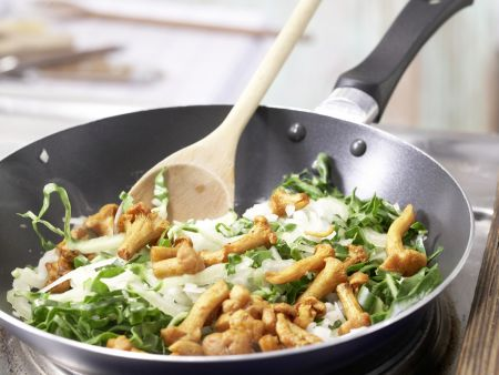 Kartoffelpizza mit Pfifferlingen: Zubereitungsschritt 5