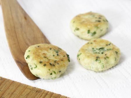 Kartoffelplätzchen mit Joghurt-Dip: Zubereitungsschritt 8