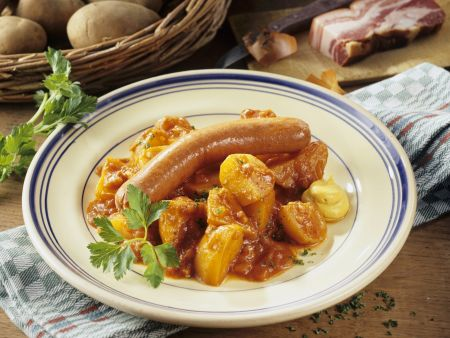 Kartoffelragout mit Bockwurst