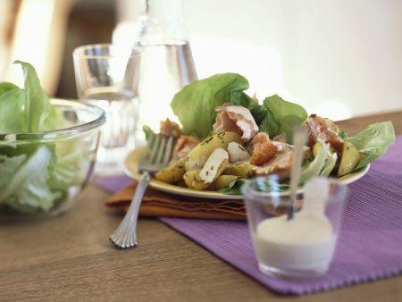 Kartoffelsalat mit geräuchertem Fisch