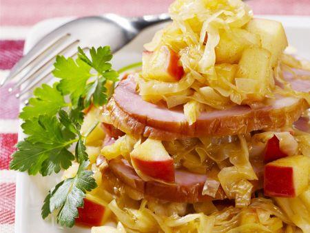 Kassler mit Apfel-Sauerkraut