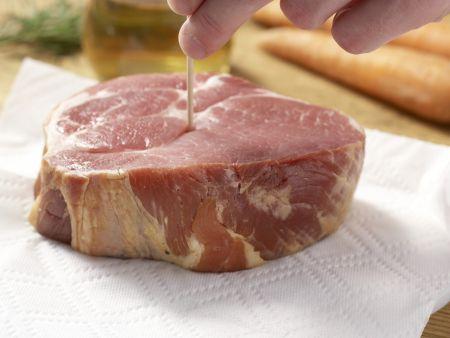 Kasslerbraten mit Kräutersauce: Zubereitungsschritt 1