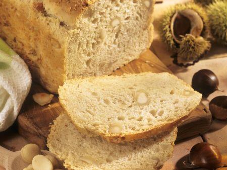 Kastanien-Macadamia-Brot