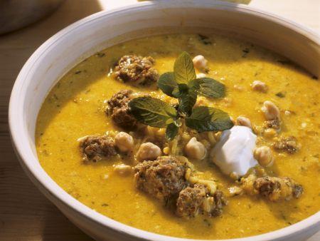 Kichererbsen-Joghurtsuppe mit Hackfleisch