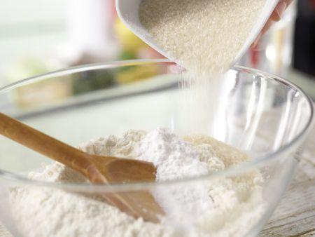 Kirsch-Baiser-Torte: Zubereitungsschritt 2