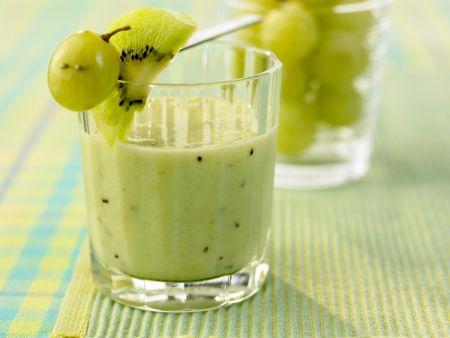 Kiwi-Smoothie mit Trauben