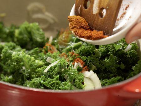 Klare Grünkohlsuppe: Zubereitungsschritt 4