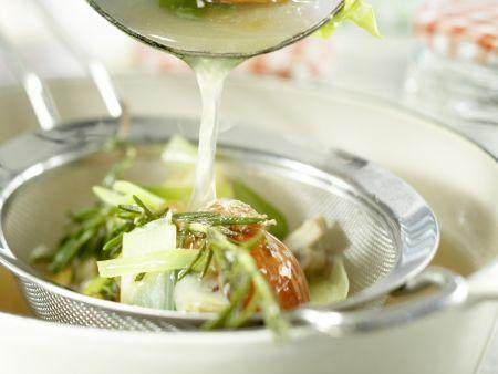 Klassische Gemüsebrühe: Zubereitungsschritt 10