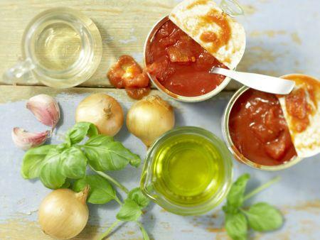 Klassische Tomatensauce: Zubereitungsschritt 1