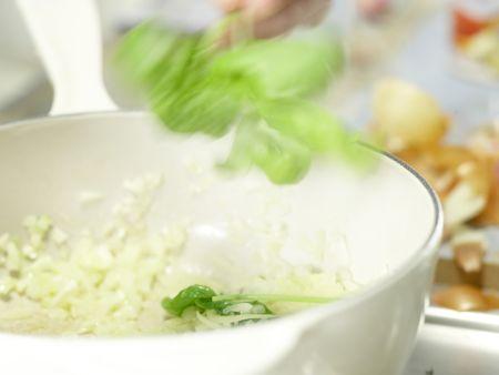 Klassische Tomatensauce: Zubereitungsschritt 3