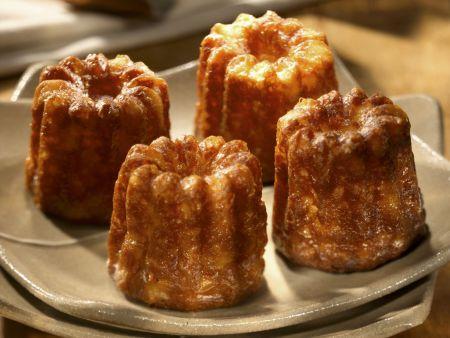 Kleine Kuchen mit Vanille und Rum (Cannellé)