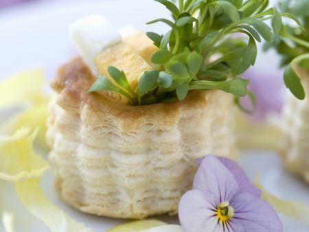 Kleine Pasteten mit Eiern und Kresse