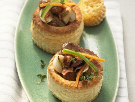 Kleine Pasteten mit Rind und Champignons