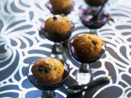 Rezept: Kleine Rumtörtchen mit Johannisbeeren