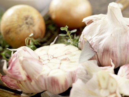 Knoblauchsuppe: Zubereitungsschritt 1