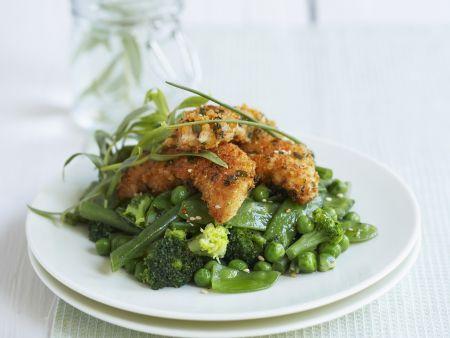 Knusper-Hähnchen auf grünem Gemüse