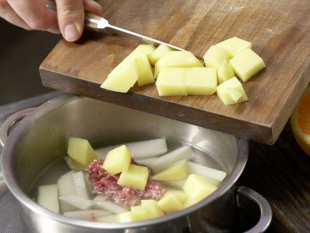 Kohlrabibrei mit Rinderhack: Zubereitungsschritt 2