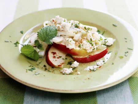 Kohlrabisalat mit Apfel und Ziegenfrischkäse