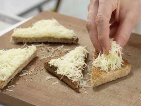 Kohlrabisuppe mit Käsetoast: Zubereitungsschritt 9