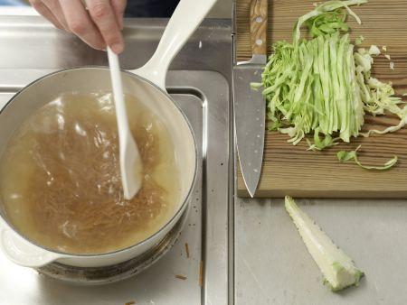 Kohlsuppe auf griechische Art: Zubereitungsschritt 4