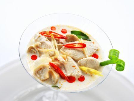 Kokos-Geflügel-Suppe nach thailändischer Art