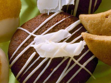 kokos lebkuchen mit zuckerguss rezept eat smarter. Black Bedroom Furniture Sets. Home Design Ideas