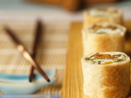 Kokos-Teigröllchen im Sushi-Stil
