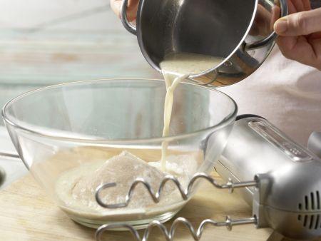 Kolatschen mit Zwetschgenkompott: Zubereitungsschritt 2