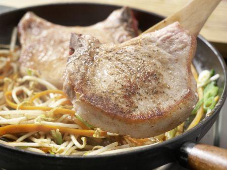 Kotelett mit Chinagemüse: Zubereitungsschritt 12