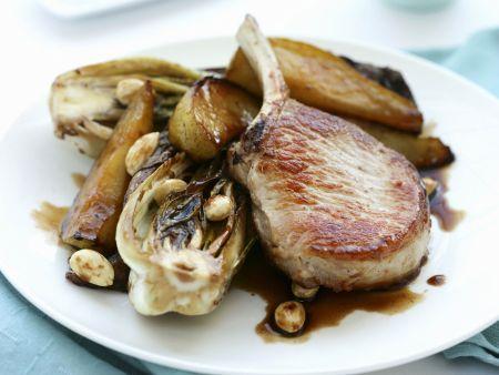 Rezept: Kotelett vom Schwein mit Birne und Radicchio