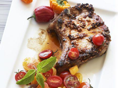 Rezept: Kotelett vom Schwein mit Salsa aus Tomaten