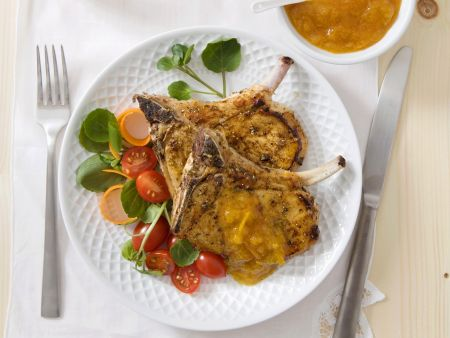 Koteletts vom Schwein mit Aprikosencreme und Kartoffelbrei