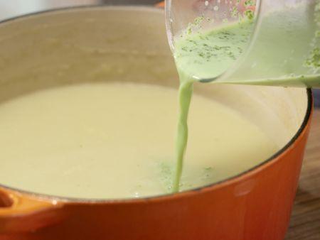 Kräuter-Kartoffel-Suppe: Zubereitungsschritt 7