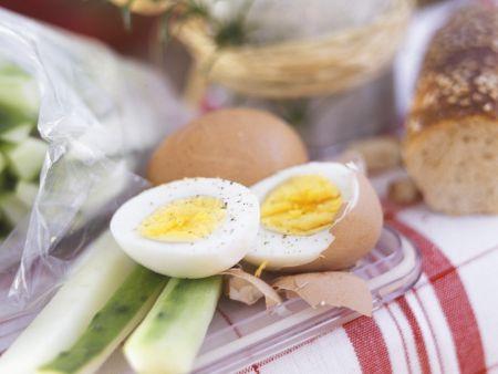 Kräuterquark mit Gurke und Ei
