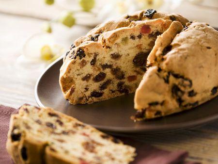 Kuchen mit kandierten Früchten auf italienische Art