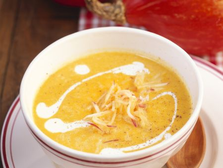 Kürbis-Ingwer-Suppe mit Apfel