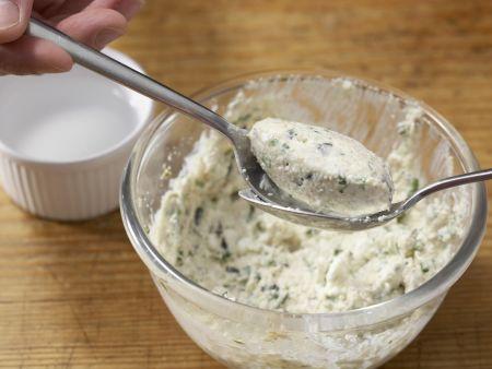 Kürbiskernnocken mit Zucchinisauce: Zubereitungsschritt 8