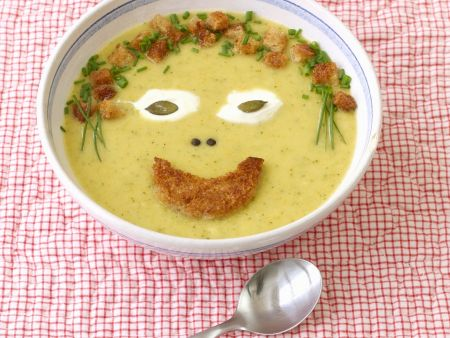 Lachende Gemüsecremesuppe